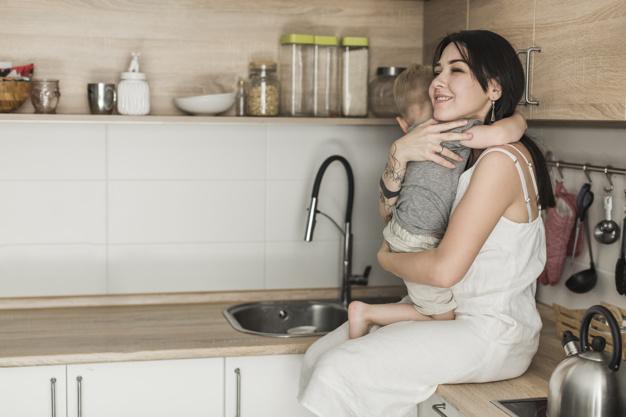 O que faz a decisão de deixar o mercado de trabalho para se dedicar à maternidade ser tão delicada